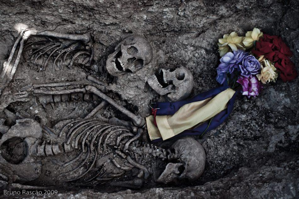 Exhumación de una fosa de cuatro maquis asesinados por la dictadura Franquista en Belmez (Córdoba) en 1949