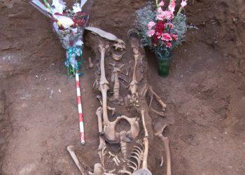Exhumación de una fosa de asesinados por la dictadura Franquista en Pedroche (Córdoba) en 1948