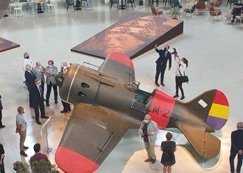 El arte y la memoria histórica se combinan en la exposición «Aeronáutica (vuelo) interior» del Museu Nacional d'Art de Catalunya