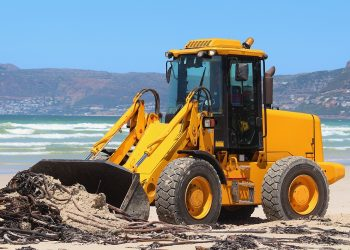 Presentan un manual para a limpeza ecolóxica de praias aos concellos das Rías Baixas