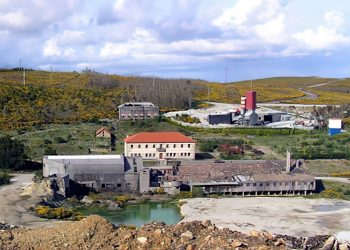 Desmantelada para chatarra a planta de tratamento da mina de Varilongo que levou máis de medio millón de euros a fondo perdido en axudas da Xunta de Galicia