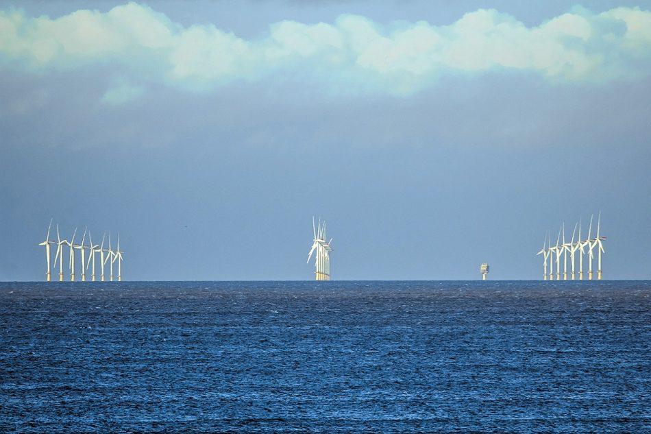 Salvemos Cabana presenta alegaciones a los parques eólicos marinos de Iberdrola que afectan a uno de los tramos costeros de mayor valor ambiental de Galicia