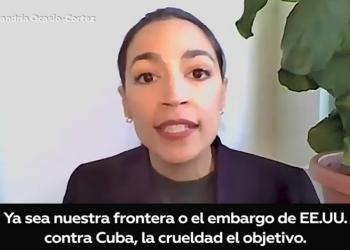 Alexandria Ocasio-Cortez se pronuncia sobre las protestas en Cuba: «El embargo estadounidense es absurdamente cruel»