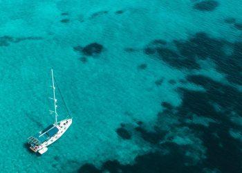 Alquilar un yate: vacaciones de lujo a bordo