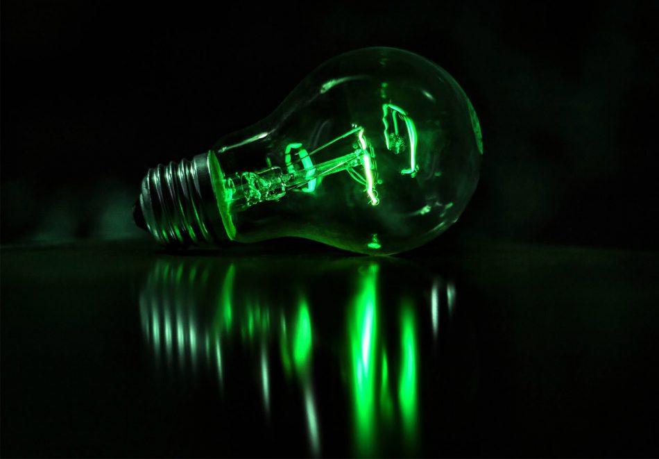 Primera quincena de julio: la subida interanual del recibo de la luz del usuario medio alcanza el 35%