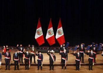 Nuevo presidente peruano juramenta a su gabinete de Gobierno