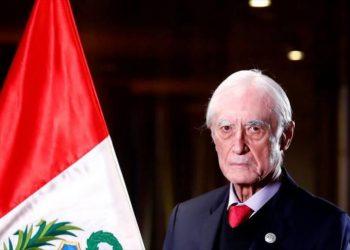 Canciller Béjar dimite: La derecha anhela cesar avance de Perú