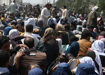 Informe: Fuerzas de EEUU extorsionan a afganos que huyen de Talibán