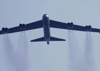 Bombarderos B-52 de EEUU atacan a talibanes en ciudad afgana de Sheberghan