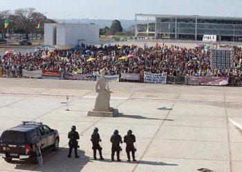 Supremo de Brasil aplazó juicio sobre tesis de tierras indígenas