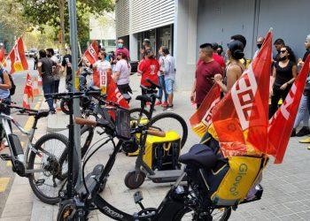 Éxito de la primera jornada de huelga en supermercados de Glovo, con un seguimiento total