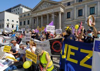 Los sindicatos de la izquierda combativa y de clase promoverán nuevas movilizaciones en defensa de los derechos del personal temporal e interino del sector público