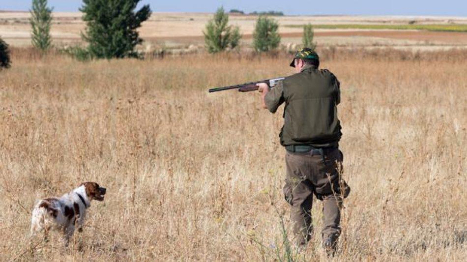 Alianza Verde denuncia los planes de la Junta de Andalucía de incluir la caza dentro de la formación reglada infantil
