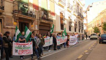 Un juzgado de Almería reconoce el derecho de los trabajadores eventuales y fijos discontinuos a disfrutar de sus vacaciones
