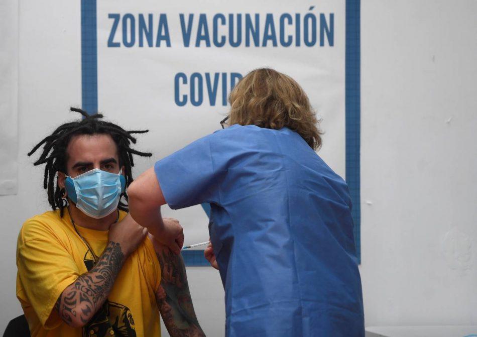 Las vacunas funcionan contra las nuevas variantes del SARS-CoV-2