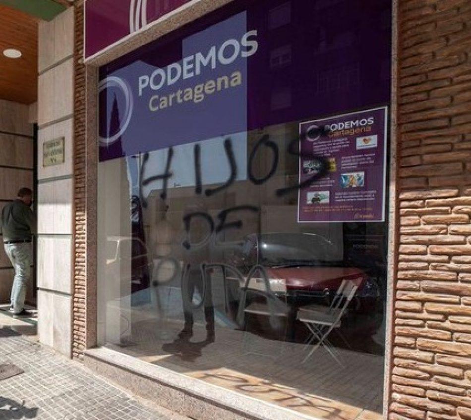 Detienen a un neonazi por el ataque con cócteles molotov a la sede de Podemos en Cartagena