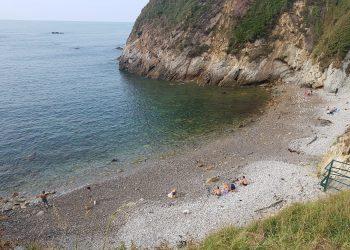 La mala gestión de la depuradora, provoca altos niveles de contaminación fecal en una playa de Cudillero (Asturias)