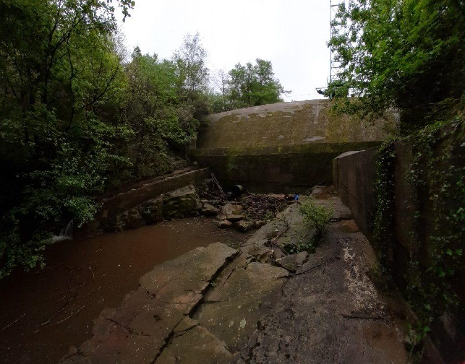 Vale ya de cortar los ríos, como el Cauxa afluente del Narcea