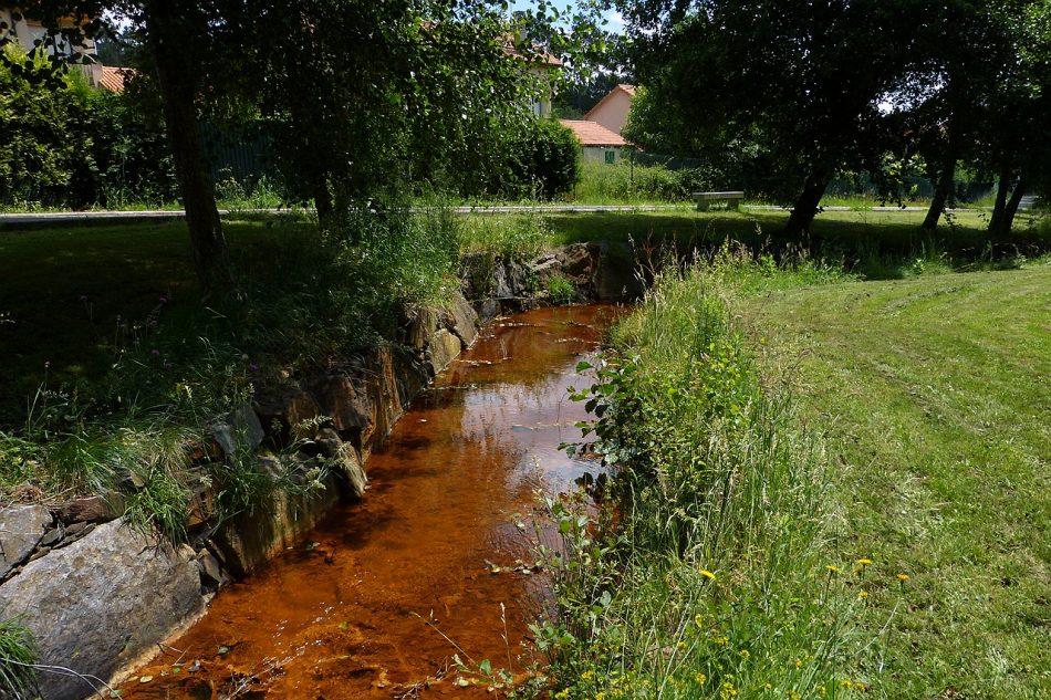 El largo historial de incumplimientos ambientales de Atalaya Mining y Explotaciones Gallegas hace inviable la reapertura de la mina de Touro