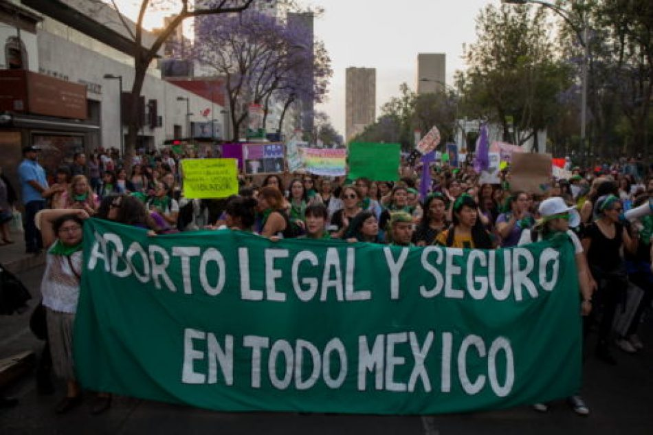 Se comprometen diputadas del Estado de México con organizaciones a buscar despenalización del aborto