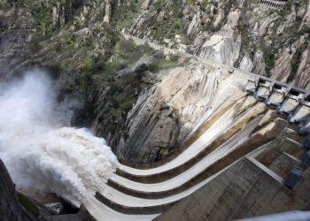 Castañón: «limitar el precio de la energía nuclear e hidroeléctrica es viable y acorde con la Unión Europea»
