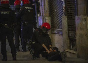 Hasta 62 jóvenes han sido detenidos e identificados en Donostia en la última semana
