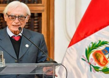 Excanciller peruano: Quieren crear imagen de un Gobierno frágil
