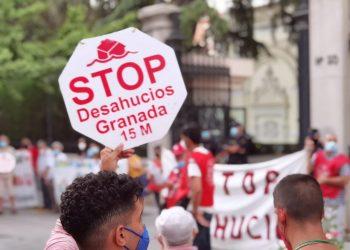 Crónica de la manifestación convocada por Stop Desahucios Granada 15M por el derecho a la vivienda
