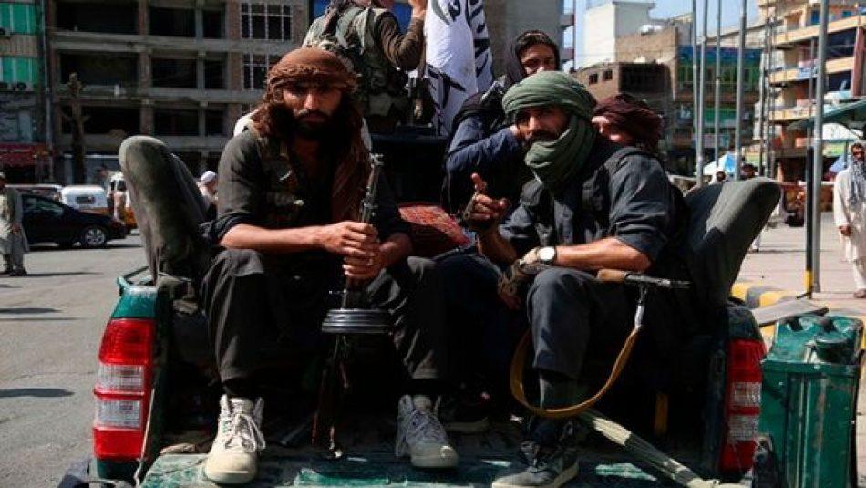 Estados Unidos no descarta cooperar con los talibanes para «luchar contra el Estado Islámico»