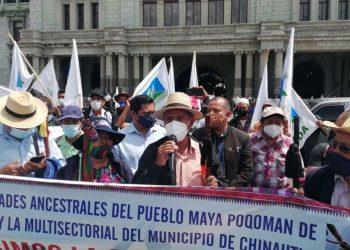 Bloqueos en carreteras apuntalan paro plurinacional en Guatemala