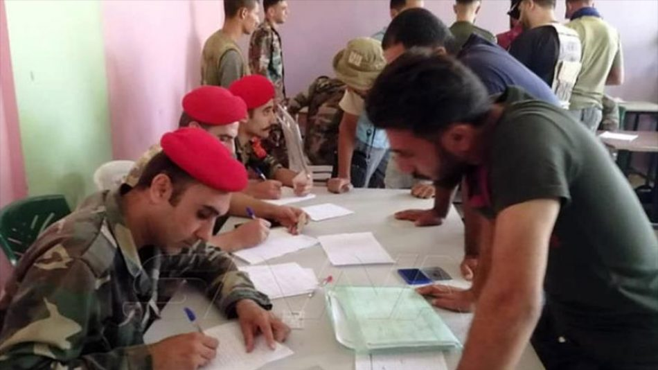 Siria se aproxima al fin del conflicto con la entrega de armas por los rebeldes en Daraa