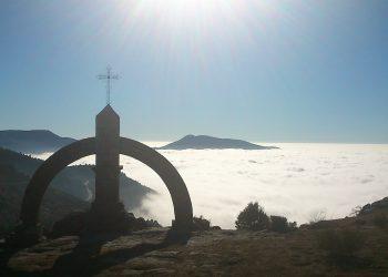 IU CyL se suma a la concentración para exigir el derribo del monumento fascista del Puerto del Pico
