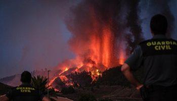 Emerge una nueva boca eruptiva cerca del pueblo de Tacande (La Palma)