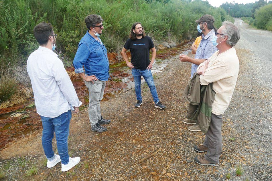 Antón Sánchez y Alberto Lema visitan la zona afectada por la mina de Touro y rechazan totalmente su reapertura