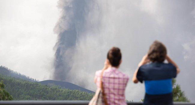 Así afecta a la salud respiratoria la nube tóxica del volcán