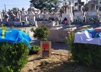 A Consejería de Presidencia do Goberno de Asturias, na homenaxe que a Memoria de Celanova rende aos 7 milicianos fuilados e soterrados nunha fosa común en 1939