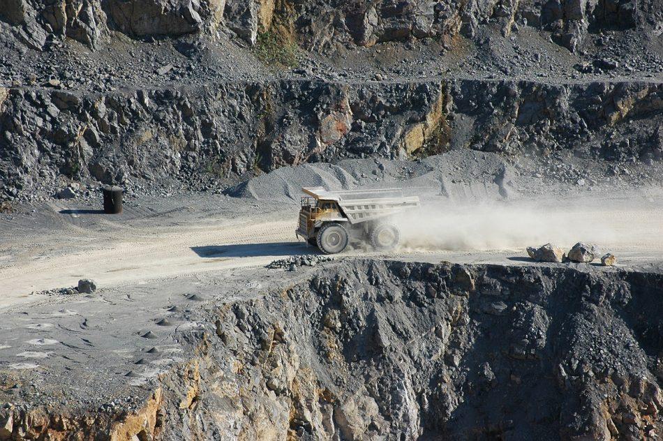 «Minerales estratégicos para la industria gallega»: manipulación, extractivismo y greenwashing a mayor gloria de la mina de Touro