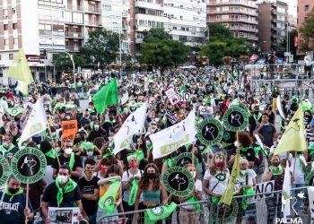 PACMA y miles de personas se han manifestado en Misión Abolición para exigir el fin de la tauromaquia