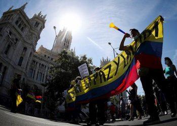 La comunidad colombiana en Madrid protesta contra el reconocimiento del gobierno a Iván Duque