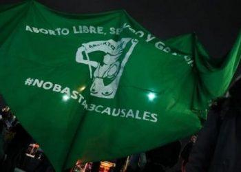 Encuestadora revela que 73% de Chile está a favor del aborto
