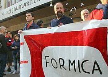 Los trabajadores y trabajadoras de FORMICA convocan huelga en la planta de Albal en Valencia