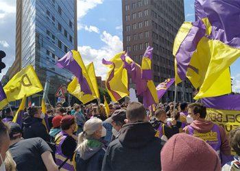 Berlín vota a favor de expropiar 250.000 viviendas a grandes inmobiliarias con el 56,5% votos favorables en un referéndum
