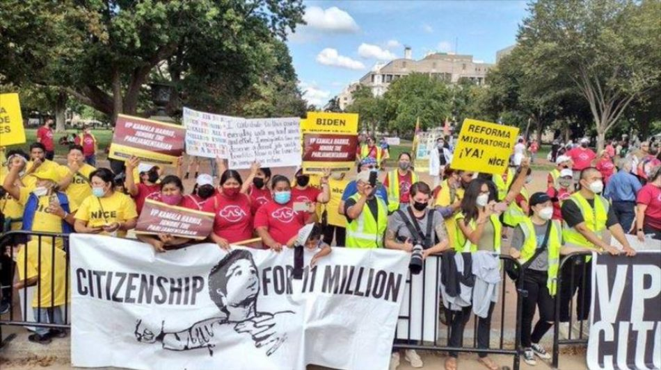 "Manifestantes urgen a Biden a priorizar ""ahora"" reforma migratoria"