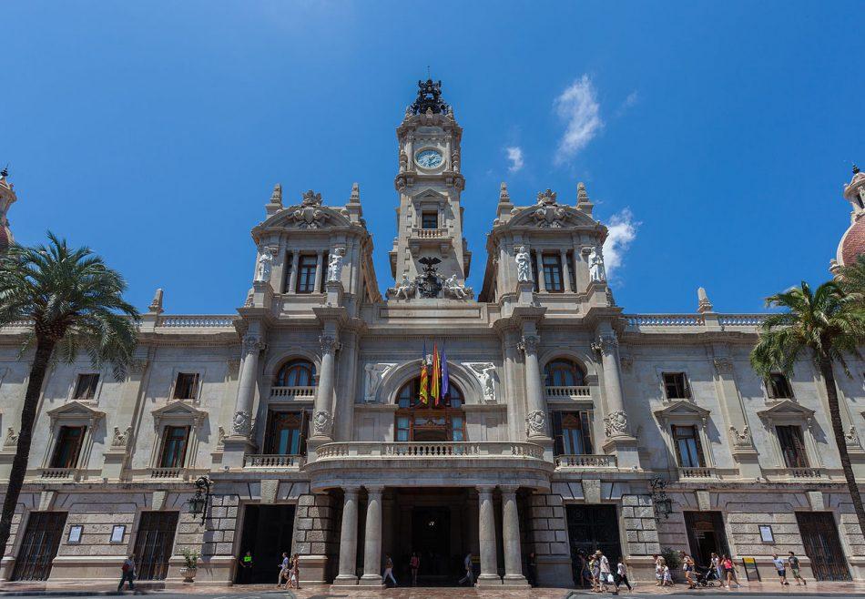 Valencia contabiliza 830 grandes tenedores de vivienda y prevé aplicarles un recargo en el IBI si las mantienen vacías
