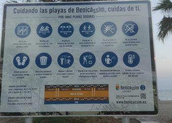 La segona campanya #NormalitzaLaPlatja de l'ACV Tirant lo Blanc i Plataforma per la Llengua exigeix l'ús del valencià en 13 municipis