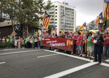 Miles de manifestantes conmemoran en Barcelona el 1-O y la huelga del 3-O