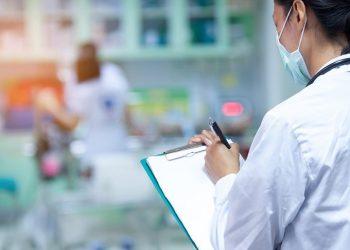 La Comunidad volverá a exigir un sobreesfuerzo a las enfermeras para vacunar de la gripe y del Covid  y mantener las Consultas de Enfermería funcionando