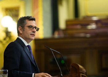 La ARMH critica al ministro Félix Bolaños por equiparar a quienes defendían la democracia con quienes la destruían