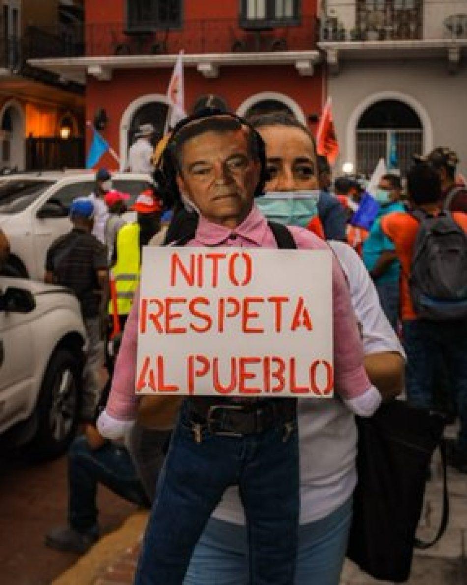"""Panameños protestan para reclamar """"un país sin políticos corruptos"""""""