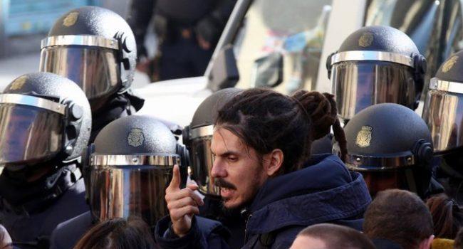 Batet cede ante Marchena para retirar su acta de diputado a Rodríguez aunque el auto habla de «inhabilitación para sufragio pasivo»